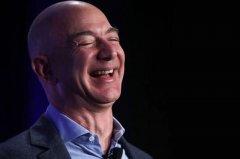 他是世界上最富的人,身家7000多亿,每天却担心自己破产